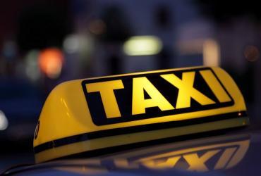 Заказать такси из Алушты в аэропорт Симферополя можно по выгодным расценкам