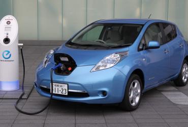 В Украину ввозят все больше электромобилей – налоговая